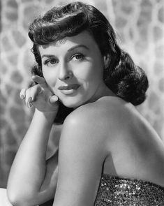 Paulette Goddard Mgm 1939 [Photograph By Clarence Bull] Photo Print Old Hollywood Actresses, Classic Actresses, Hollywood Icons, Golden Age Of Hollywood, Vintage Hollywood, Classic Hollywood, Actors & Actresses, Hollywood Style, Vintage Glamour