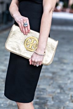tory burch gold clut
