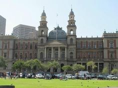 The old Courthouse - Church Square (Pretoria, South Africa): Address, Tickets… Apartheid Museum, Purple City, Durban South Africa, Port Elizabeth, Kruger National Park, Pretoria, Famous Landmarks, African Animals, African History