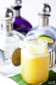 Fresh Pineapple Margaritas   must try this summer!