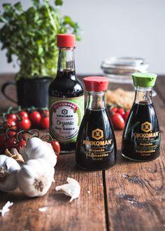 Kaupallinen yhteistyö: Kikkoman Makaronilaatikko on parasta kotiruokaa. Pienillä raaka-aine lisäyksillä ja uusilla valmistustavoilla saat siitä vieläkin parempaa. Lupaan, että tämä makaronilaatikko on kokeilemisen arvoinen. Makaronilaatikon valmistus onnistuu varmasti kaikilta ja ihan se tavallinenkin makaronipussin kyljestä... Sauce Bottle, Soy Sauce, Food, Essen, Meals, Yemek, Eten, Bean Dip