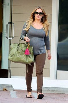 a6f9959970a2c Hilary Duff enjoying her pregnancy in Avedon skinny jeans in brown.  CitizensofHumanityNL · Celebs in Citizens of Humanity