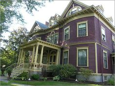Berry Manor Inn In Rockland, Maine - Paranormal experts didn't make it all the way up the front walk of the Berry Manor Inn before they spotted some friendly spirits peering through the Inn's big picture windows. The experts described three older ladies outfitted for high tea in the 1900's.