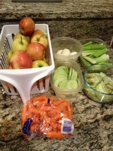 Clean eating snack ideas! Want to hit your weight loss/fat loss goal? Prepare your snacks in 20 min for the whole week! Stop going to the pantry and start hitting the fridge.