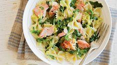 Losos obsahuje spoustu zdravých omega-3 mastných kyselin, hezky vypadá a především výborně chutná. Nejlepší je čerstvý, ale můžete použít i uzeného. Pasta Salad, Potato Salad, Potatoes, Ethnic Recipes, Omega, Potato, Cold Noodle Salads, Noodle Salads, Macaroni Salad
