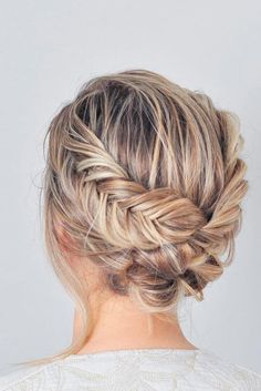 Here is a list with photos of 33 trendy prom hairstyles for short hair. In case you are looking for a simple but beautiful hairstyle for your prom night. * Find out more at the image link. #EasyHairstyles #PromHairstylesMedium