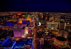 5 / 5 ( 2 votos ) Las Vegas, gracias especialmente al cine y las series, se ha convertido en un lugar intrigante, un oasis en medio del desierto, que todos debieran conocer. Pero ¿realmente será una ciudad para todo tipo de turistas? ¿Te gustaría conocer Las Vegas y quieres saber cómo nosotros la conocimos? … La entrada Lo que pasa en Las Vegas, ¿se queda en Las Vegas?🃏 se publicó primero en A pata pelada. Las Vegas Hotels, Vegas Casino, Las Vegas Nevada, Grand Canyon, Las Vegas Strip, Metro Goldwyn Mayer, Mandalay, Hotel New York, Best Places To Propose