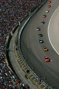 Dale Earnhardt Jr. Photos - Dale Earnhardt Jr., driver of the #8 Budweiser Chevrolet, leads a pack of cars including Matt Kenseth, driver of the #17 DeWalt Ford during the NASCAR Nextel Cup Series Samsung 500 at Texas Motor Speedway on April 15, 2007 in Fort Worth, Texas. - Samsung 500