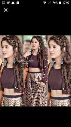 Lehenga Hairstyles, Indian Hairstyles, Girl Hairstyles, Open Hairstyles, Bridal Hairstyles, Indian Dresses, Indian Outfits, Girl Fashion, Fashion Dresses
