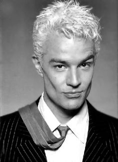 James Marsters! Just look at those über chiseled cheekbones!! I could cut my hand slapping that face!!