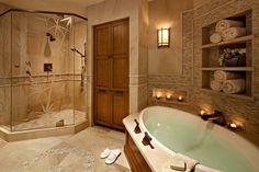 Trendiges Badezimmer in Naturtönen
