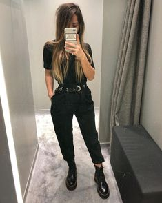 How To Style Doc Martens ft Sage Olivia Edgy Outfits, Grunge Outfits, Fall Outfits, Fashion Outfits, Fashion Clothes, All Black Outfit Casual, Work Fashion, Fashion Models, Street Fashion