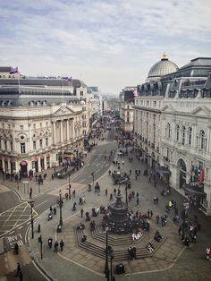 Picadilly Sq, London