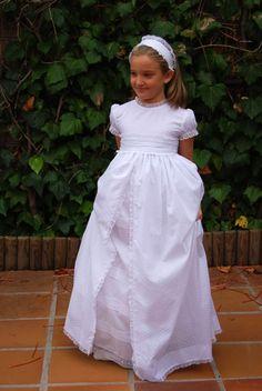 Navascués – Vestidos Novia Navascués – Comunión Girls Baptism Dress, Girl Baptism, Cute Dresses, Girls Dresses, Baby Dress Patterns, Communion Dresses, First Communion, Dream Dress, Christening