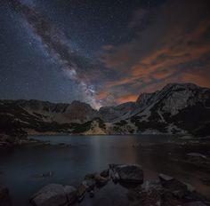 Night over mountain por Krasi St M