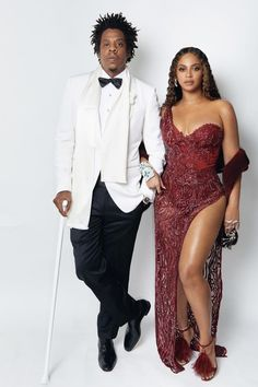 Musics royal couple Queen Bey and Jay Z just gave us something to fawn over and we are so grateful . Whats your favorite Beyoncé and Jay Z song? Beyonce 2013, Beyonce Knowles Carter, Beyonce And Jay Z, Celebrity Couples, Celebrity Style, Celebrity Makeup, Couple Goals, Z Cam, Men With Street Style