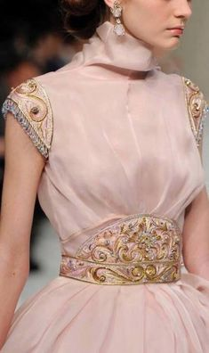 make own clothes Style Haute Couture, Couture Details, Fashion Details, Couture Fashion, Fashion Design, Moda Fashion, High Fashion, Womens Fashion, Couture Dresses