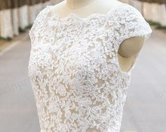 Lace Wedding Dress with Silk Chiffon Skirt, Boho Wedding Dress, Summer Beach Wedding Dress, Bohemian Wedding Dress, Cheap Dress For Wedding YY 6 Rush order link : https://www.etsy.com/listing/204394416/rush-order-for-the-custom-made-dresses?  Fabic/color sample link: https://www.etsy.com/listing/202864583/color-sampleschiffon-fabric-swatch?ref=shop_home_active_1  Size/Measurements Chart link : https://www.etsy.com&#x2F...