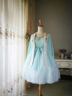 埋め込み Kawaii Fashion, Lolita Fashion, Cute Fashion, Fashion Outfits, Pretty Outfits, Pretty Dresses, Beautiful Outfits, Cute Outfits, Kawaii Clothes