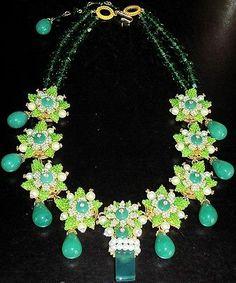 STANLEY HAGLER Amazing Jade Green Glass Crystal Rhinestone Necklace