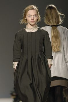 Chloé at Paris Fashion Week Fall 2006 - StyleBistro
