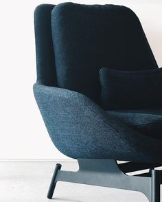 What A Moody Beauty. Field Lounge Chair In Edwards Navy. : @atavlian