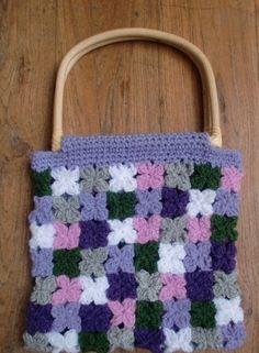 7 Utterly Adorable DIY Crochet Bags You'll Love to Make ... → DIY