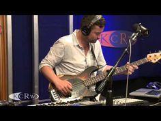 "Bonobo performing ""Sapphire"" Live on KCRW"