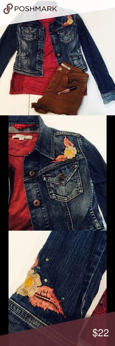 Stretch denim jacket Cotton/spandex stretch denim jacket with flower embroidery. No flaws! Guess Jackets & Coats Jean Jackets