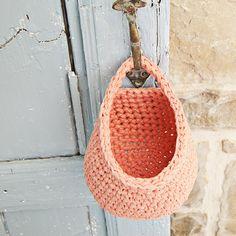 Pattern Crochet Hanging Basket – Soulmade ༺✿ƬⱤღ http://www.pinterest.com/teretegui/✿༻