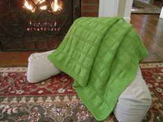Sunny Baby Blanket/Ravelry/Knit/Free Made this with double moss stitch border