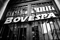 Bovespa segue em alta e acima dos 49 mil pontos - http://po.st/L6555r  #BolsadeValores - #Ações, #Bovespa, #Valorização