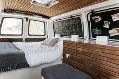 The Vanual: an online guide to converting a cargo van into a camper in full step-by-steps, illustrated on a simple website interface.