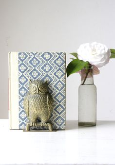 SOLD Vintage brass owl bookend/ animal brass ornament/ decorative brass figurine/ wise owl decor/ eclectic gift https://www.etsy.com/au/shop/RetroandRosesvintage