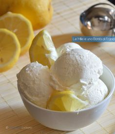 Gelato al limone verticale