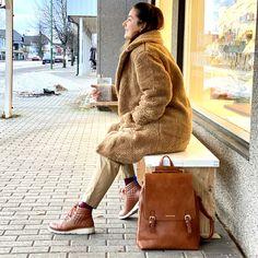 Limited edition vintersko, designet i Norge med kun 40 par i hele verden. Cambridge Satchel, Bags, Design, Fashion, Handbags, Moda, Fashion Styles, Fashion Illustrations