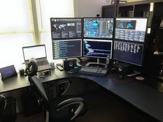 Leading 30 Stunning Home Office Layout Pc Setup, Desk Setup, Room Setup, Desk Layout, Computer Build, Computer Setup, Gaming Setup, Computer Workstation, Home Office Setup