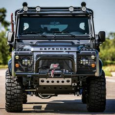 Florida's East Coast Defender has been recreating outstanding Land Rover Defenders for years. Always impressive, ECD strives for the perfect Land Rover Landrover Defender, Land Rover Defender 110, Viper Truck, Pajero, Carros Audi, Land Rover Models, Offroader, Expedition Vehicle, Land Rover Discovery
