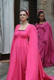 Afbeeldingsresultaat voor traditional clothing