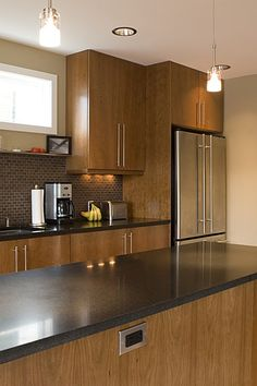 backsplash tile, flat-front cabinets, hardware