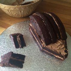 How to make a chocolate hedgehog cake - Delicious