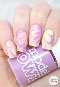 classy-water-marble-nail-art-design