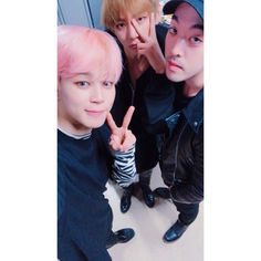 Jimin, V and DOCSKIM ❤ BTS WINGS TOUR Concert band member and Producer (docskim IG Update: The 동생s  / The dongsaengs ) #BTS #방탄소년단