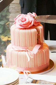 Wedding Cake Occasion Would Look Beautiful In Lilac Or A Plain Colour With Coloured Flowers