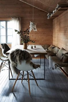 Dining Area with Fur Accents - From cosy cabins to modern apartments, our favourite Scandinavian interiors - interior design ideas on HOUSE by House & Garden Dining Room Design, Dining Room Chairs, Dining Area, Dining Rooms, Dining Table, Modern Cabin Interior, Interior Design, Scandinavian Cabin, Scandinavian Design