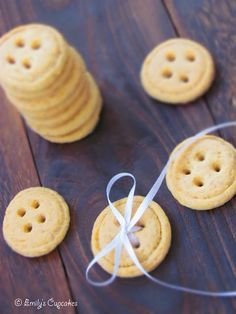 Cute button cookies! (Recipe in Romanian)
