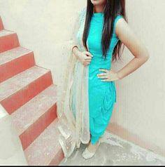 Patiala Suit Designs, Kurti Designs Party Wear, Salwar Designs, Patiala Salwar Suits, Sleeves Designs For Dresses, Dress Neck Designs, Designer Punjabi Suits, Indian Designer Wear, Indian Dresses