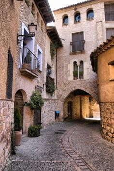 Callejuela de #Alquezar #Huesca. Spain