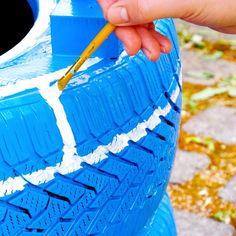 Diy Crafts For Home Decor, Diy Crafts Hacks, Diy Crafts Jewelry, Jar Crafts, Diy Garden Projects, Garden Crafts, Diy Garden Decor, Diy Para A Casa, Tire Garden