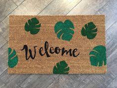 Palm Leaves / Welcome Mat / Custom Doormat / Housewarming Gift / Nickel Designs / Doormats / Funny Doormat / Monstera Leaf / Tropical Devor Weathered Paint, Coir Doormat, Personalized Door Mats, Newlywed Gifts, Welcome Mats, Mold And Mildew, Shades Of Green, Diy Painting, Palm